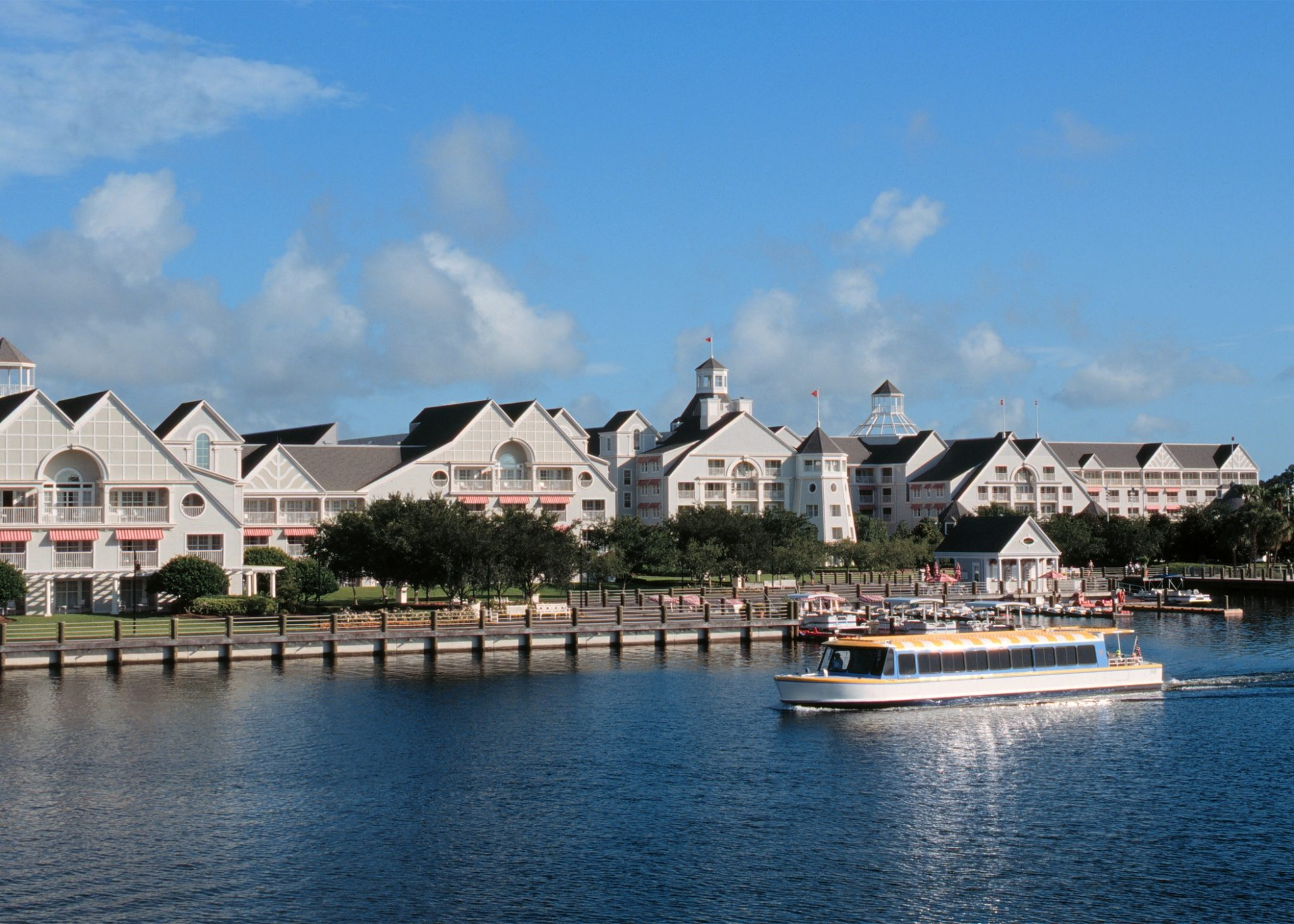 Love and Hate – Disney's Yacht and Beach Club Resorts [Ep. 779]