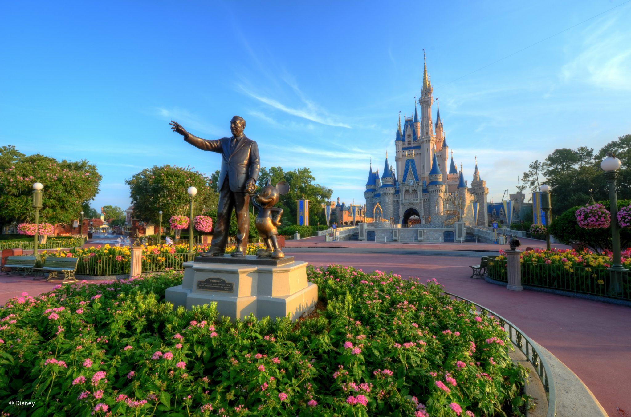 ResortLoop.com Episode 459 – Things We've Overheard At A Disney Park!
