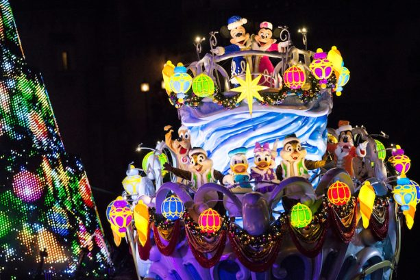 ResortLoop.com Episode 497 – Christmas At Disney Parks Around The World