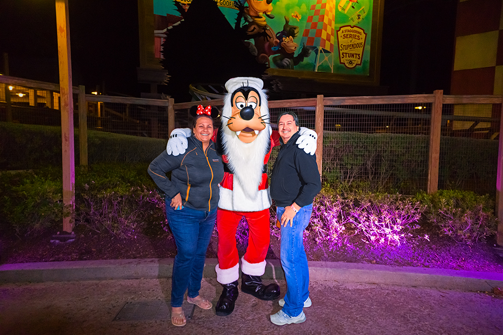 Santa Goofy at the MVMCP